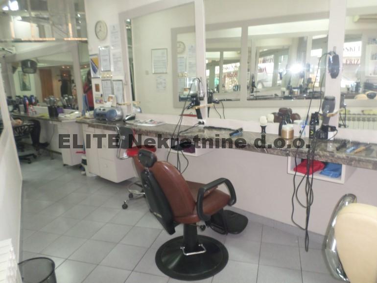 Centar ,opremljen frizerski salon za izdavanje!