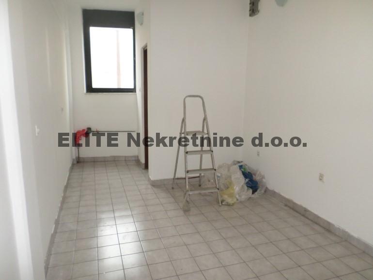 Čengic Vila , poslovni prostor od 18 m2 na prodaju!