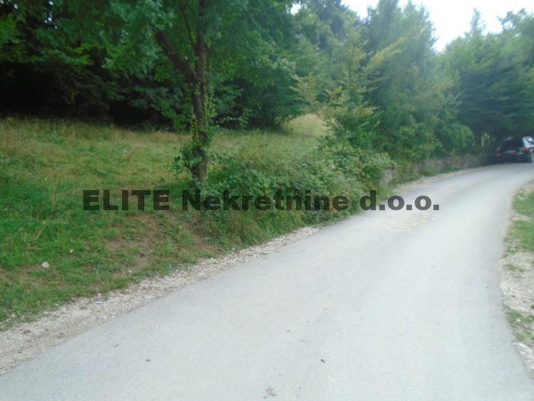 Rakovica , zemljiste od 1 230 m2 na prodaju!