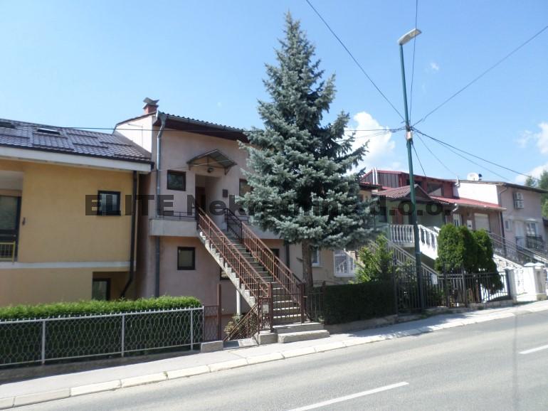 Kosevsko brdo , namjesten dvoetazni stan!